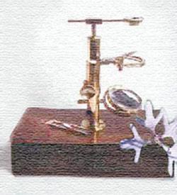 Микроскоп Броуна