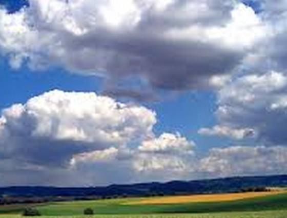 Почему не падают облака